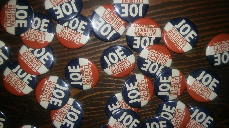 joe4cd1buttons.jpg