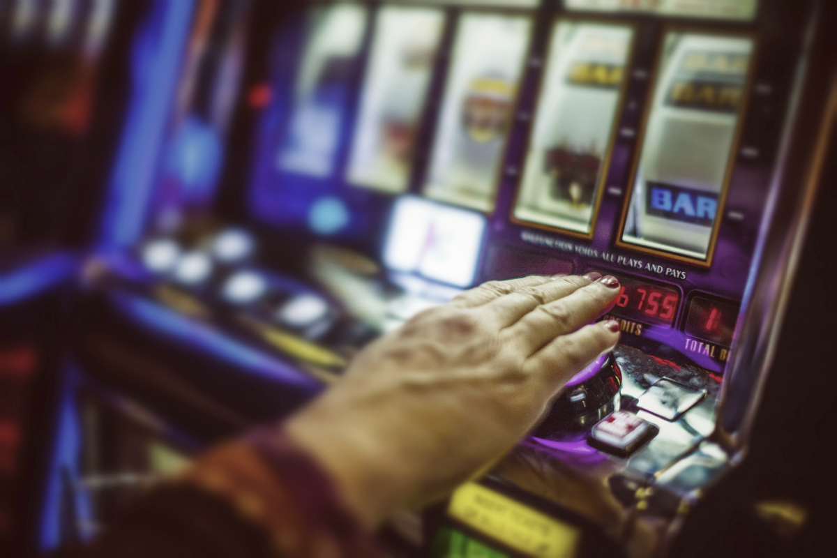 Clubs NSW legal action against whistleblower sparks money laundering questions for pokies in clubs