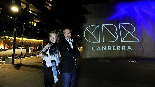brand canberra light photo