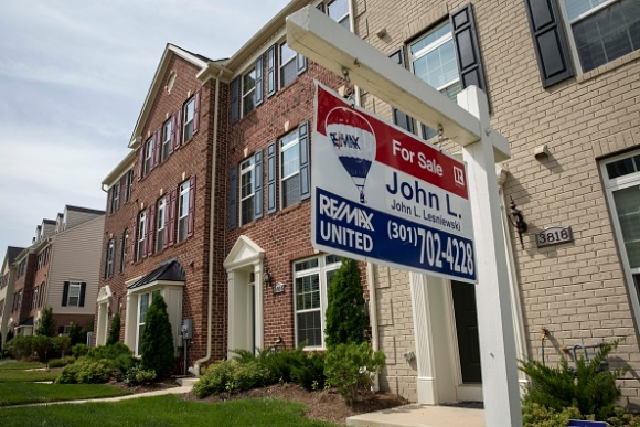 us-new-home-sales-rise-to-highest-level-in-seven-years.jpg