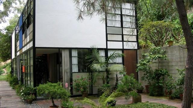 Eames_House0-640x360.jpg