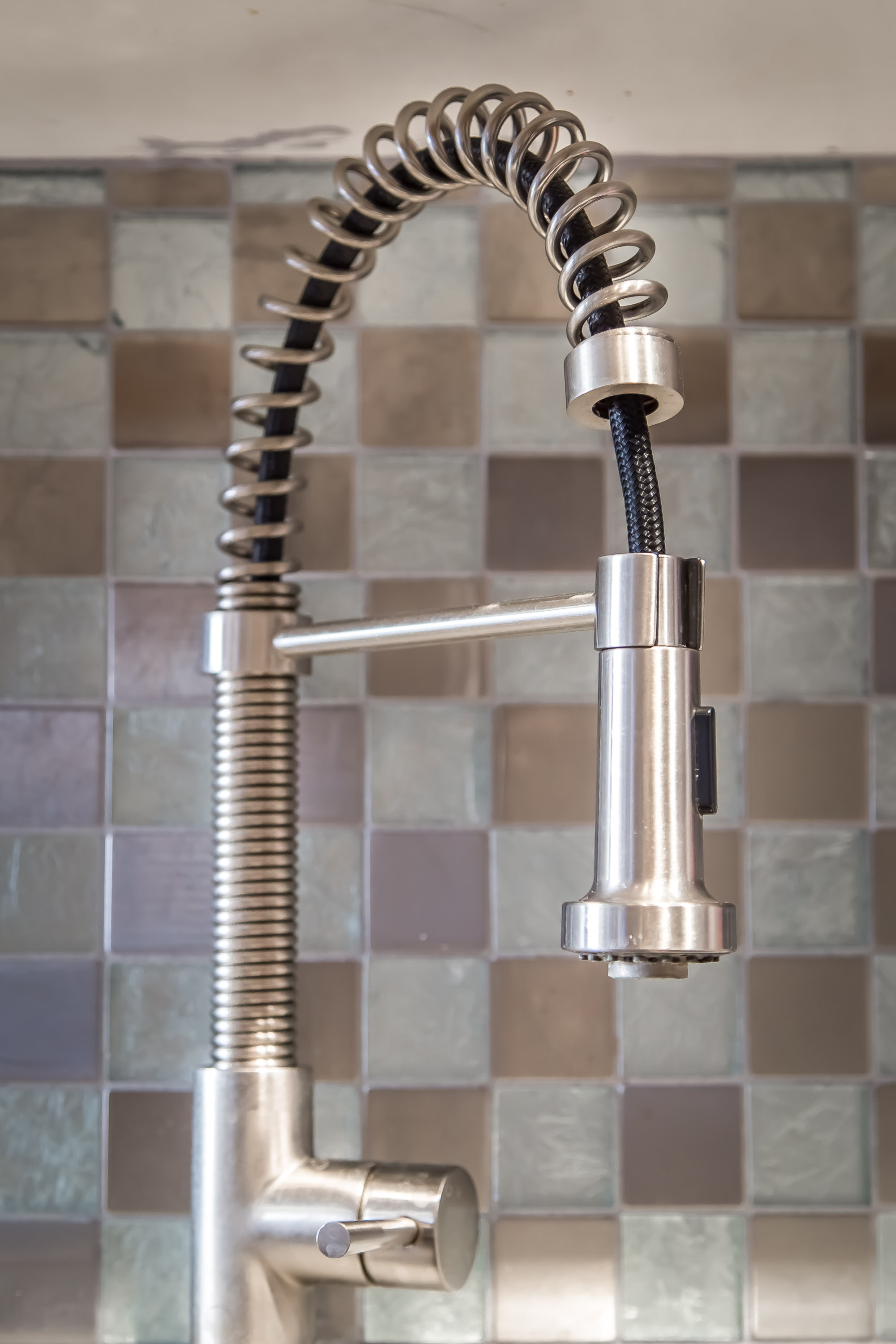 details.kitchenfaucet.jpg