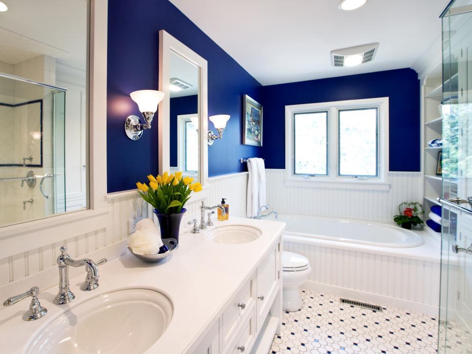 gail-drury-blue-bathtub.jpg.rend.hgtvcom.966.725.jpg