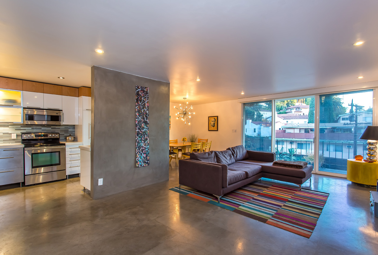 2260_N_Cahuenga_-_MLS_Size_(3)_KEY_SHOT.jpg