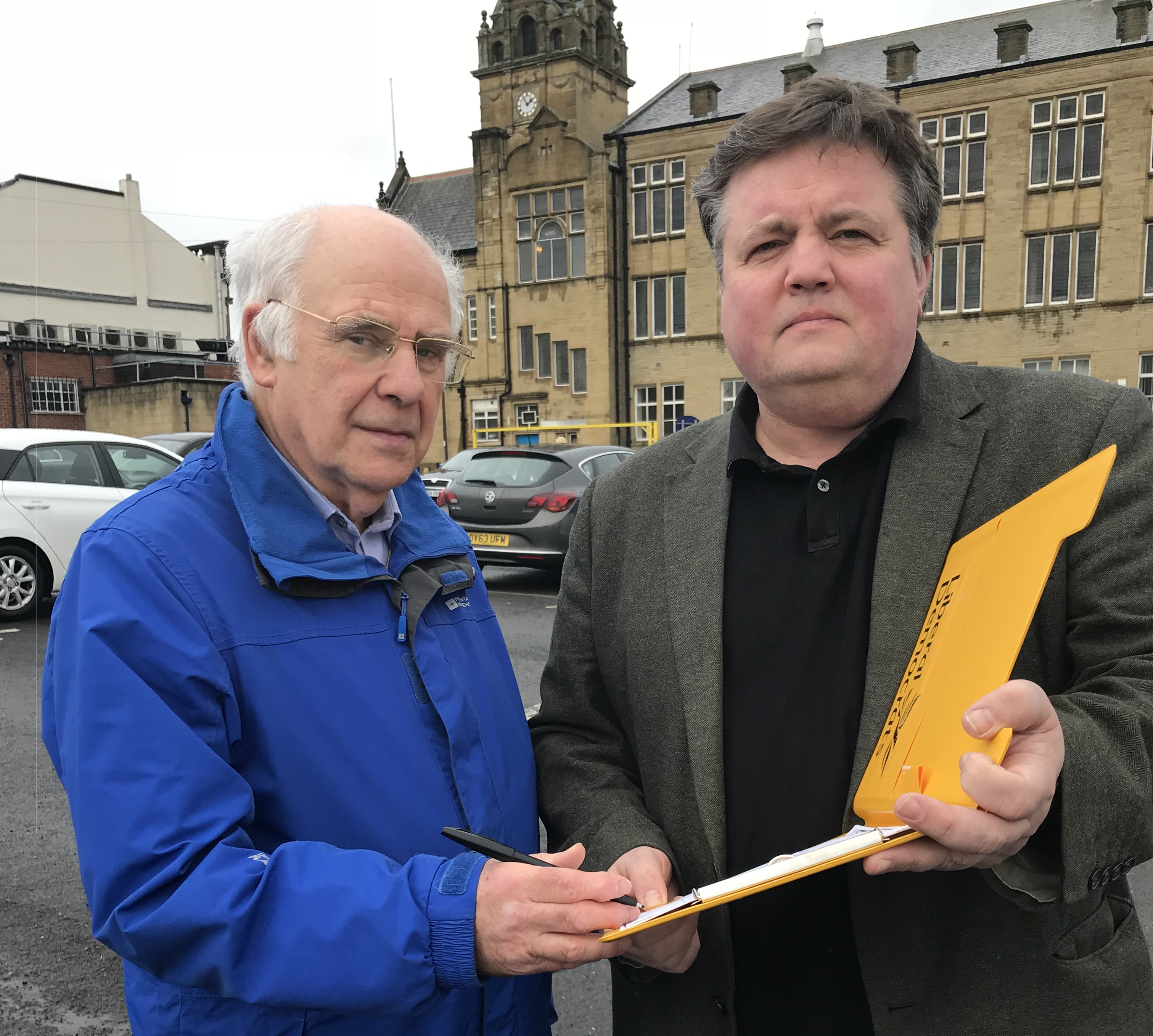 Councilor Lawson opposing car park charges in Cleckheaton
