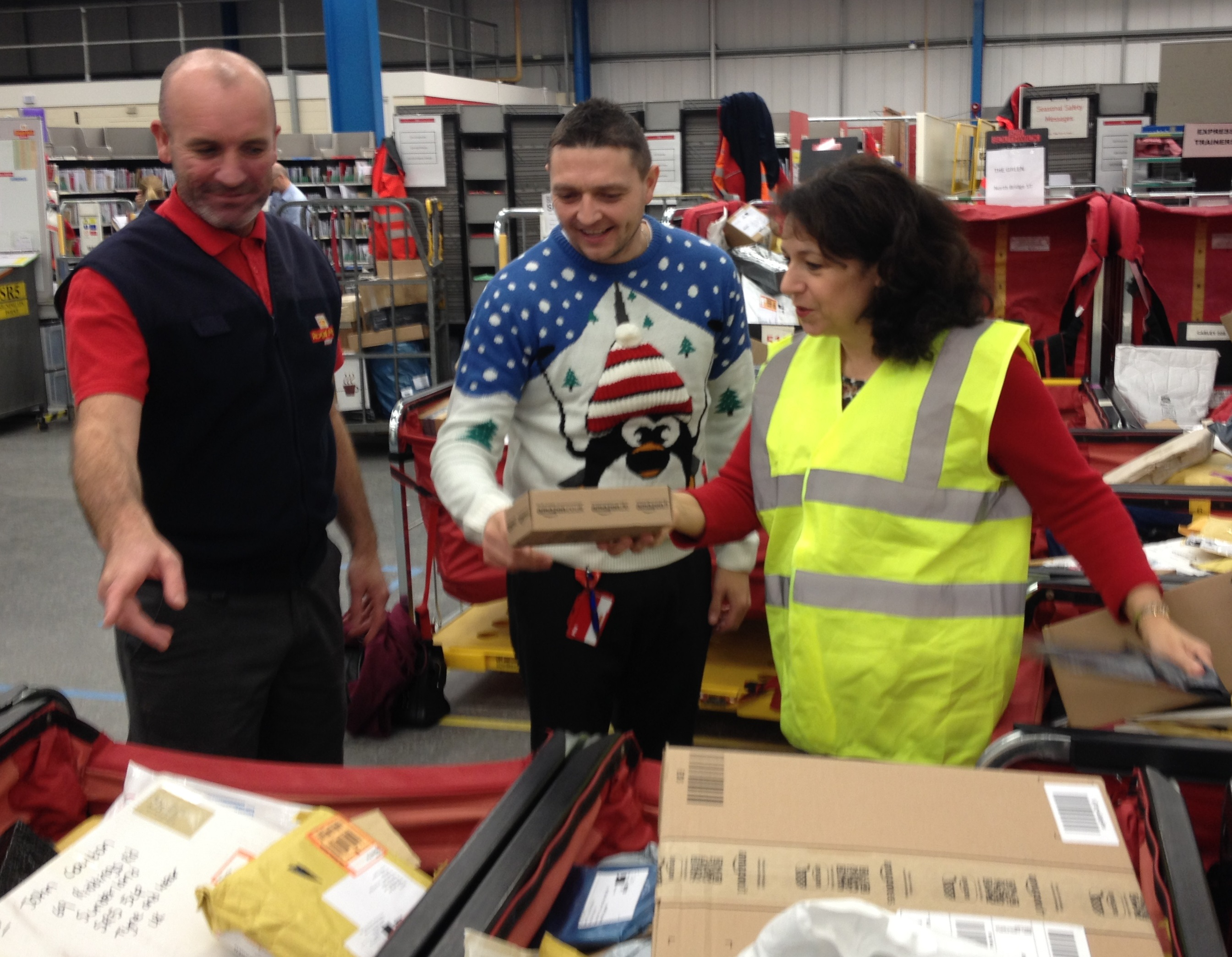 Helping Royal Mail Delivery Office with the Christmas rush - Julie ...