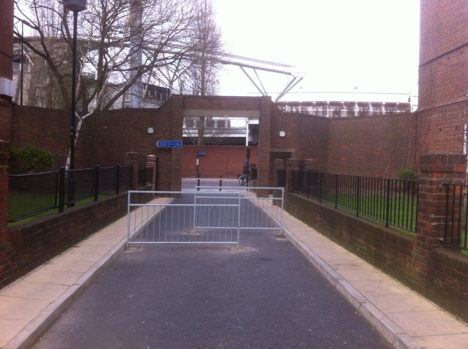 Cycling_barrier.jpg