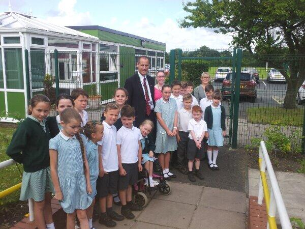 Sefton Central Labour MP Bill Esterson joins Summerhill Primary School Council and teacher Mrs Livesley, together with Laura Curran and George Ralph (who took the photo) who are on work experience with the MP, on the school visit.