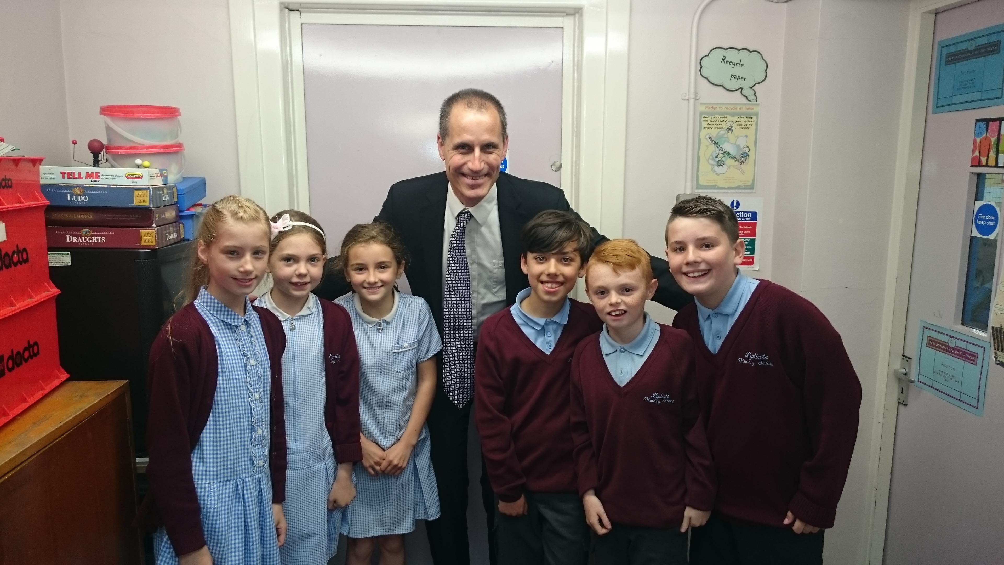 Sefton Central Labour MP Bill Esterson with some of the Year 5 pupils at Lydiate Primary.