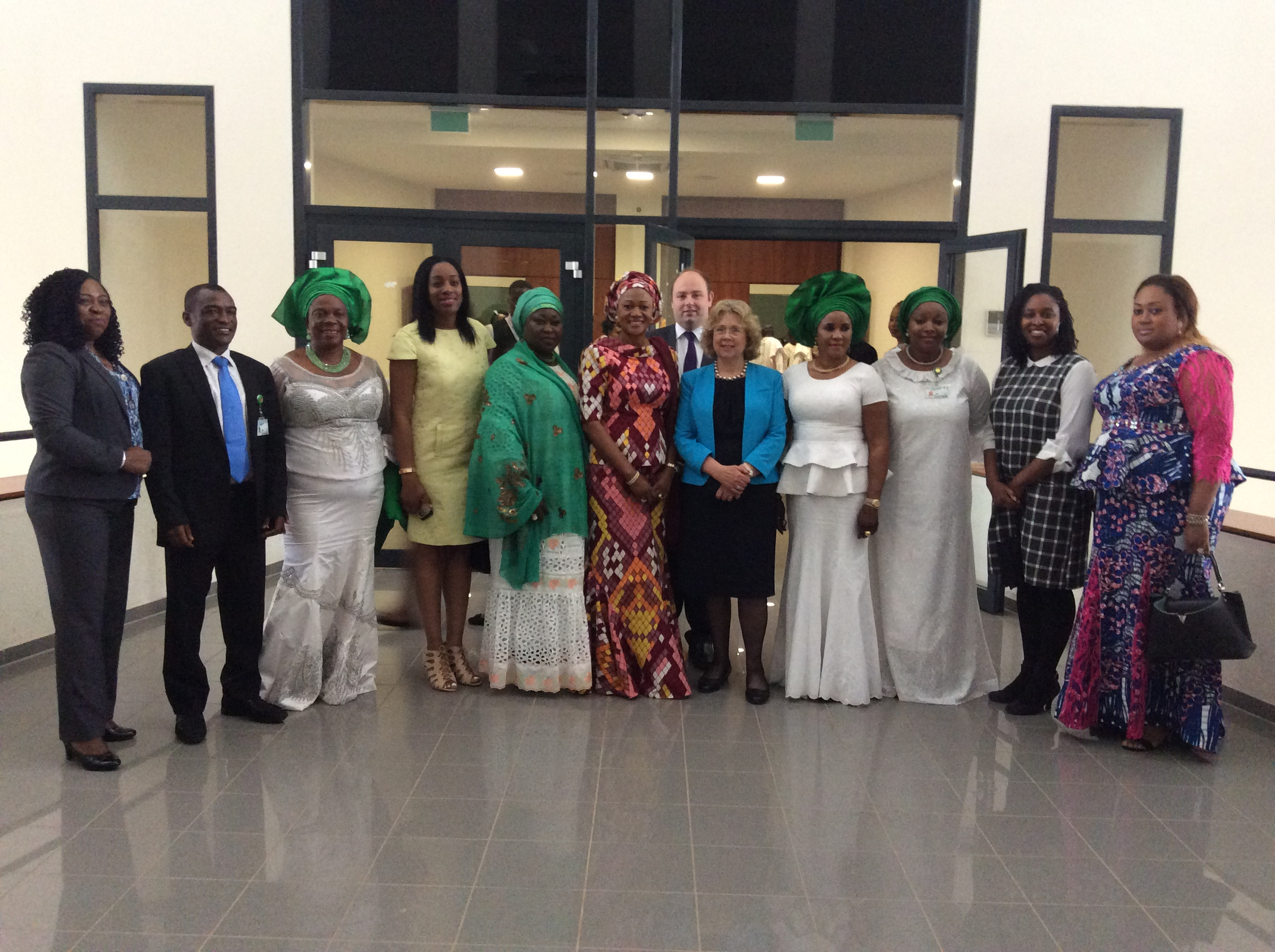 Dawn_Butler_MP_with_the_Nigerian_Womens_Committees.JPG