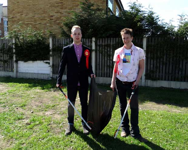 Reece-and-Louise-litter-picking600.jpg
