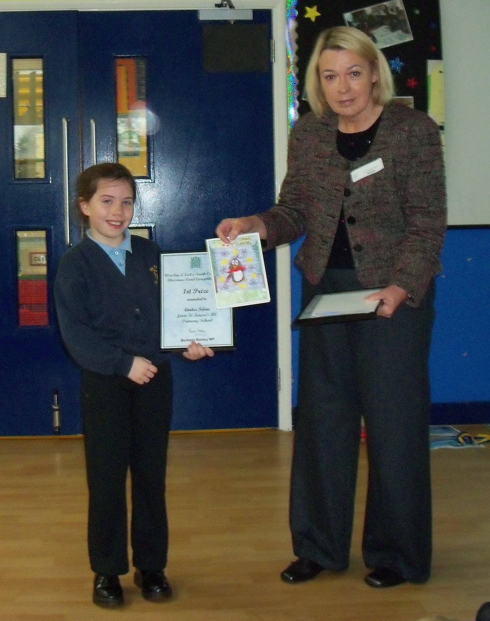 141219_Barbara_Keeley_MP_with_1st_prize_winner_Amber_Solan.jpg
