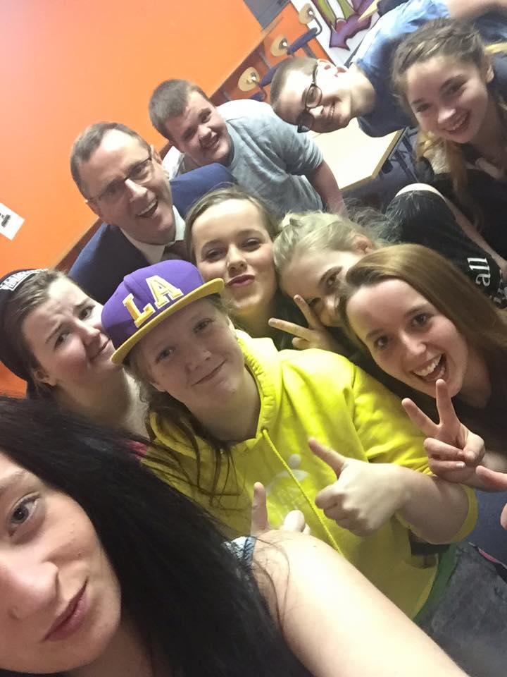 Youth_centre_voter_reg.jpg