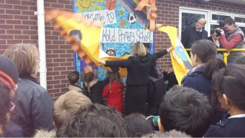 Lilian opens Southwold Primary extension (2)