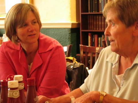 Lilian joins Nottingham Circle members for lunch
