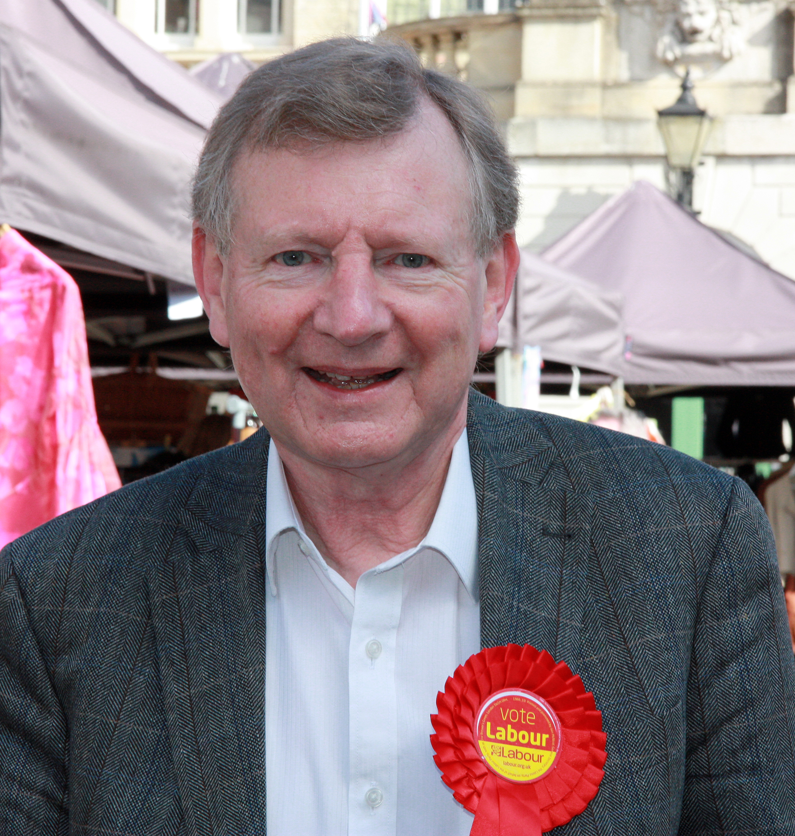 Laurie_South_Labour_rosette.jpg