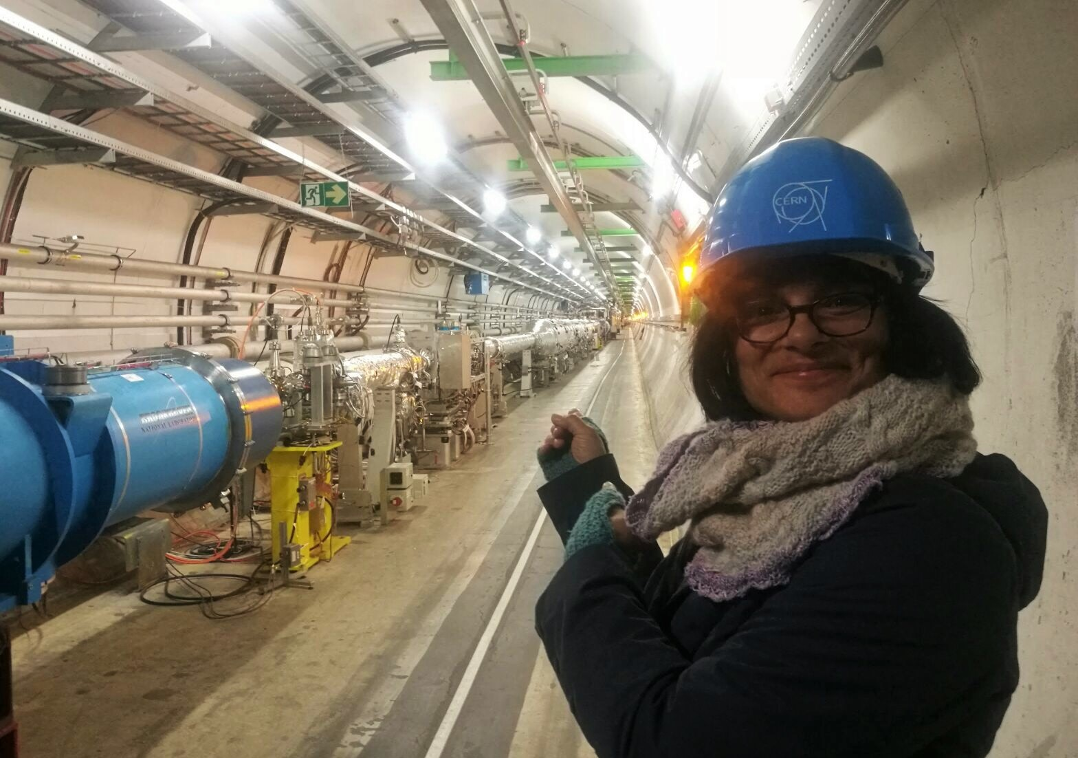 The_actual_LHC_tunnel_(2).jpg