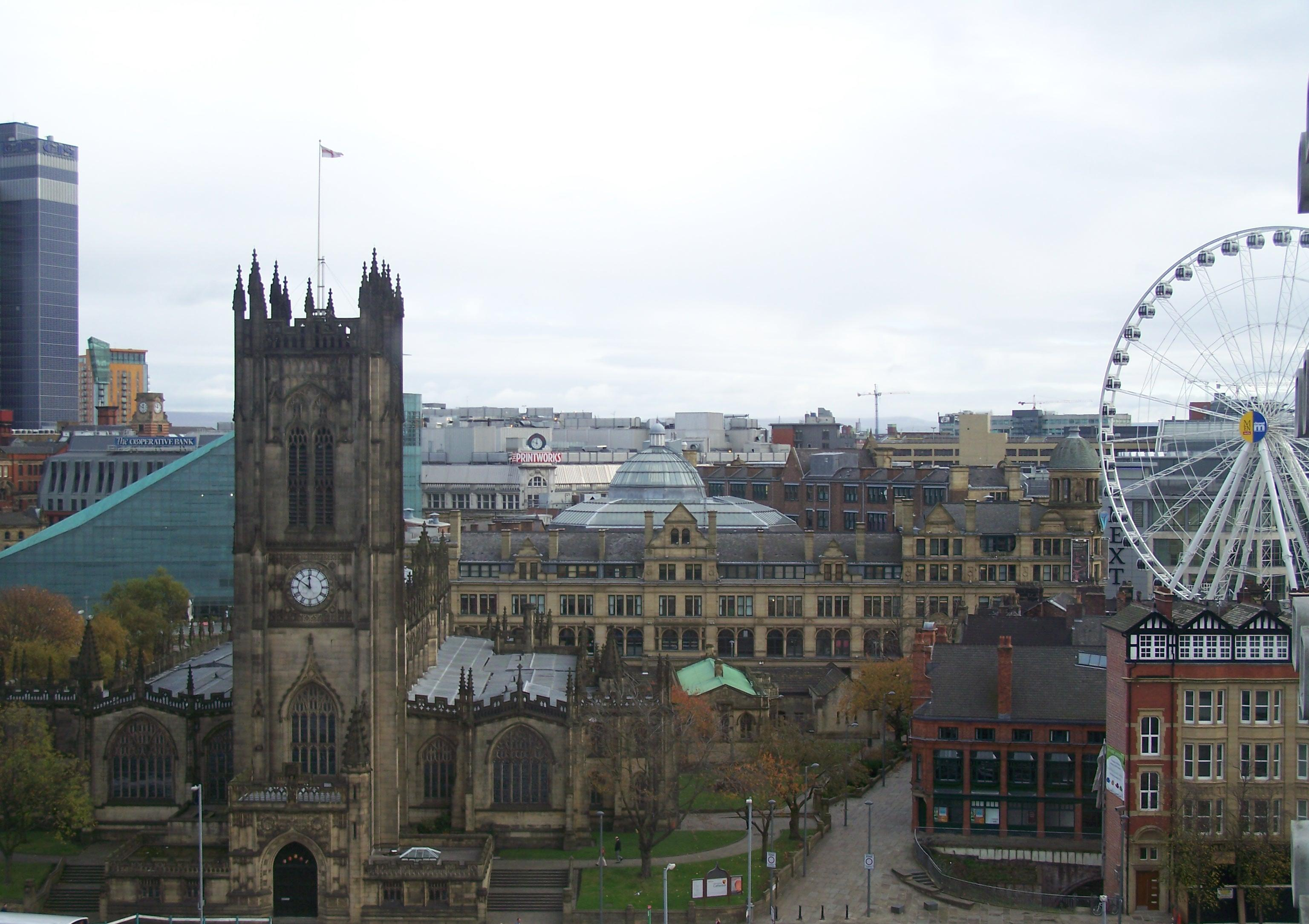 Manchester_Cathedral_and_skyline.jpg