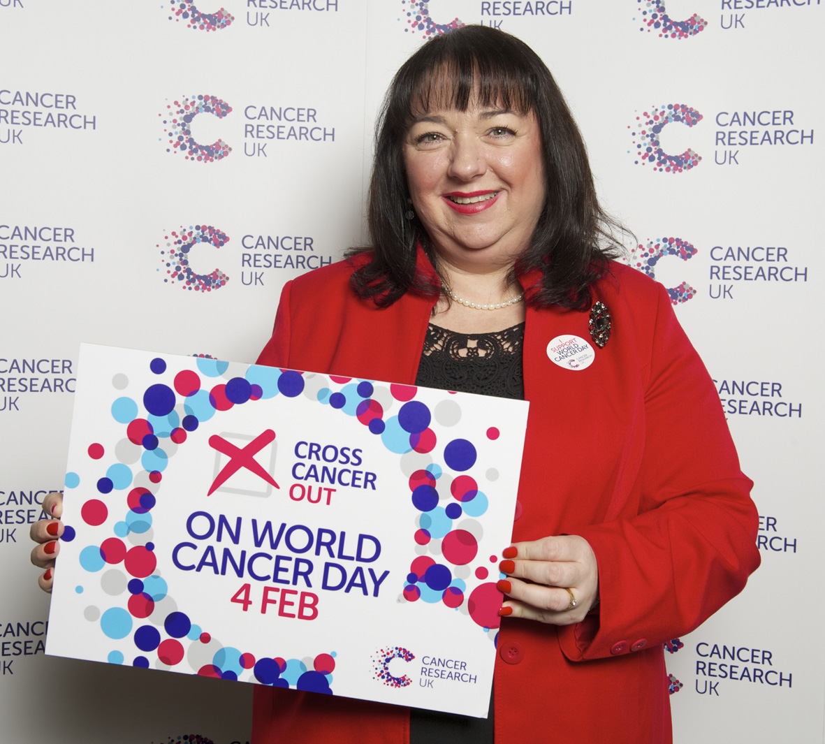 Sharon Hodgson MP supports Cancer Research UKs Cross Cancer Out campaign