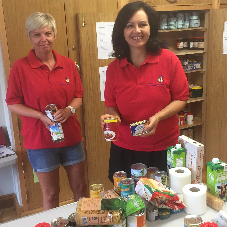 Essentials_-_Donna_Batty___Caroline_prepare_a_pack_of_groceries.JPG