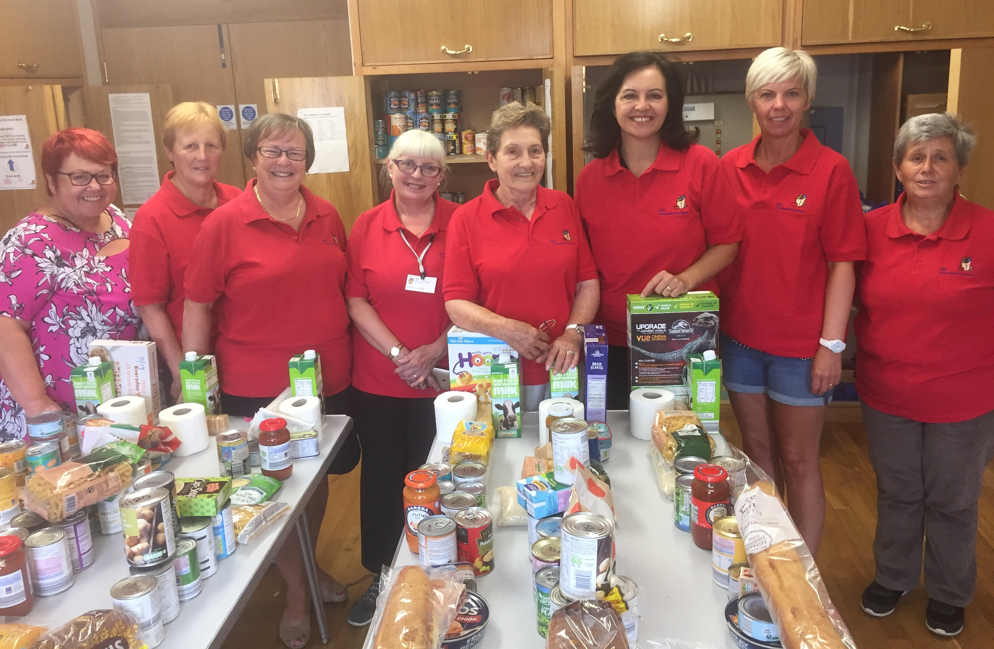 Here_to_help_-_Caroline_Flint_and_DN7_Cty_Foodbank_volunteers200718.JPG