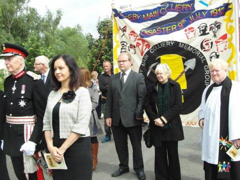 Caroline Flint and councillors memorial banner