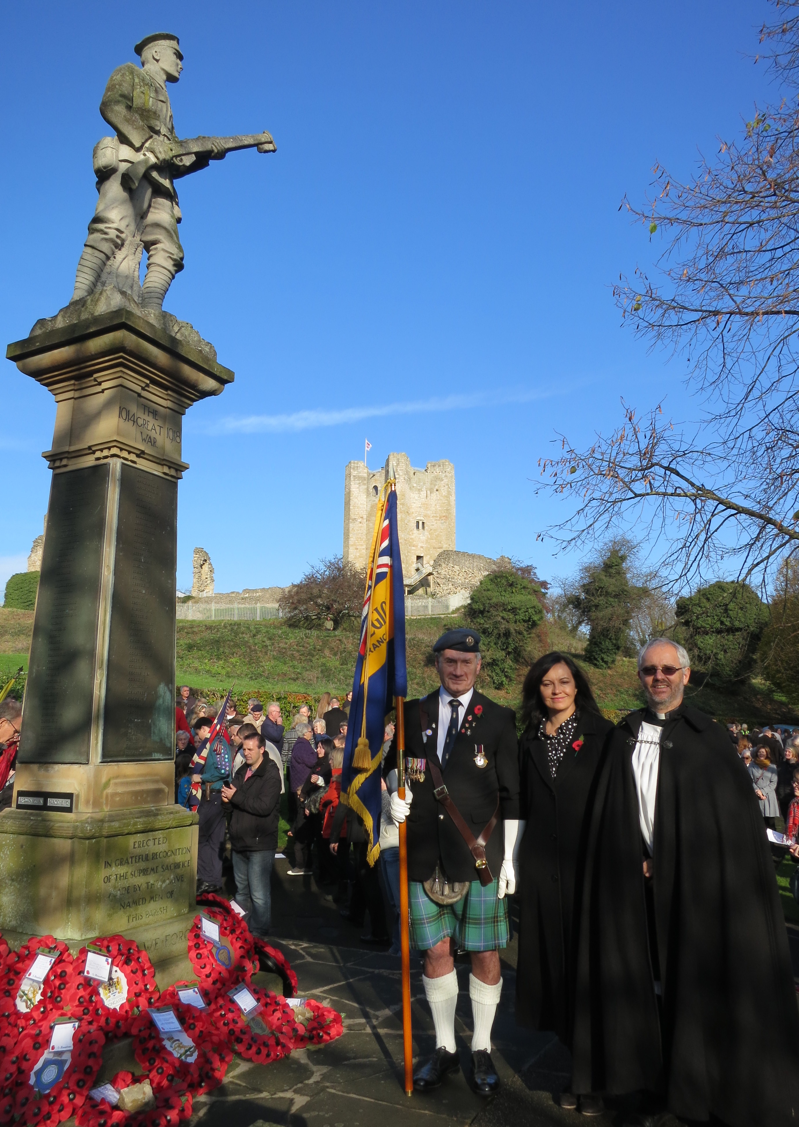 Remembrance_Sunday_Conisbrough.JPG