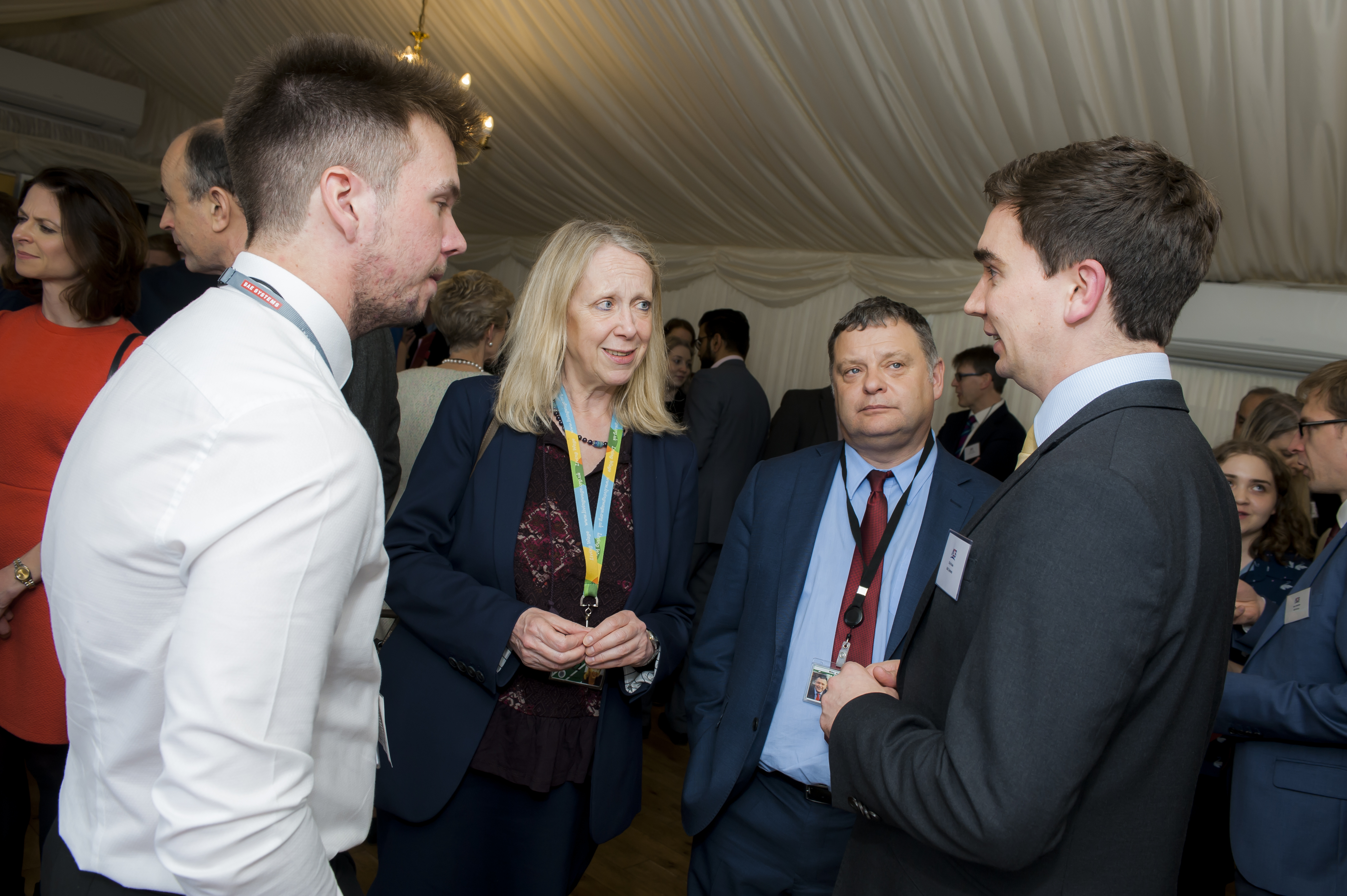 Liz_McInnes_MP_welcomes_young_apprentices_to_parliament.jpg