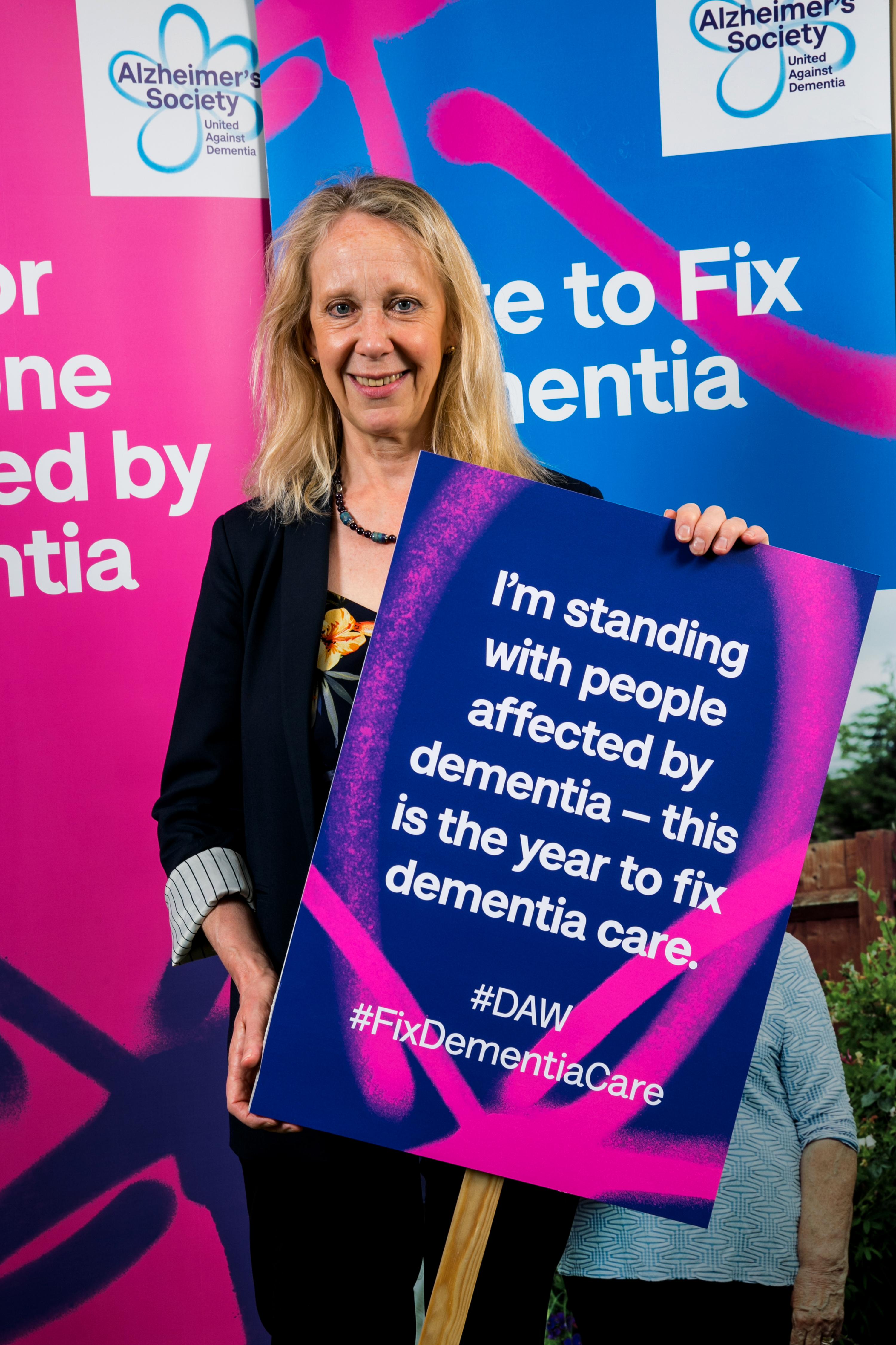 Liz_McInnes_MP_Alzheimer's_Society_event.jpg