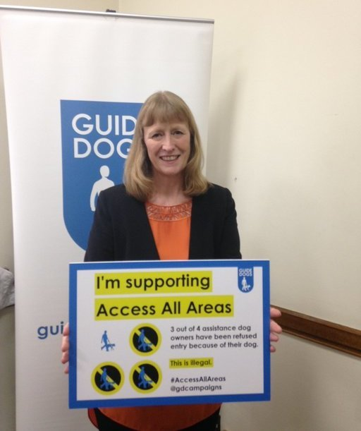 Joan_Ryan_MP_Guide_Dog_6.jpg