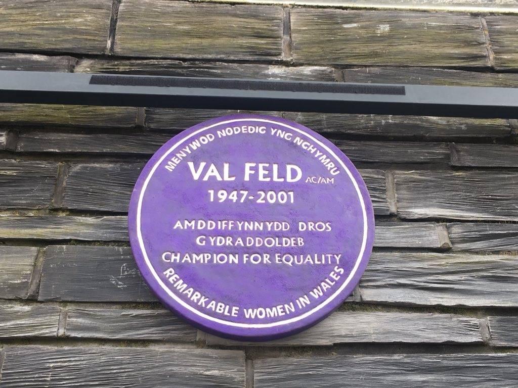 plaque_2.jpg