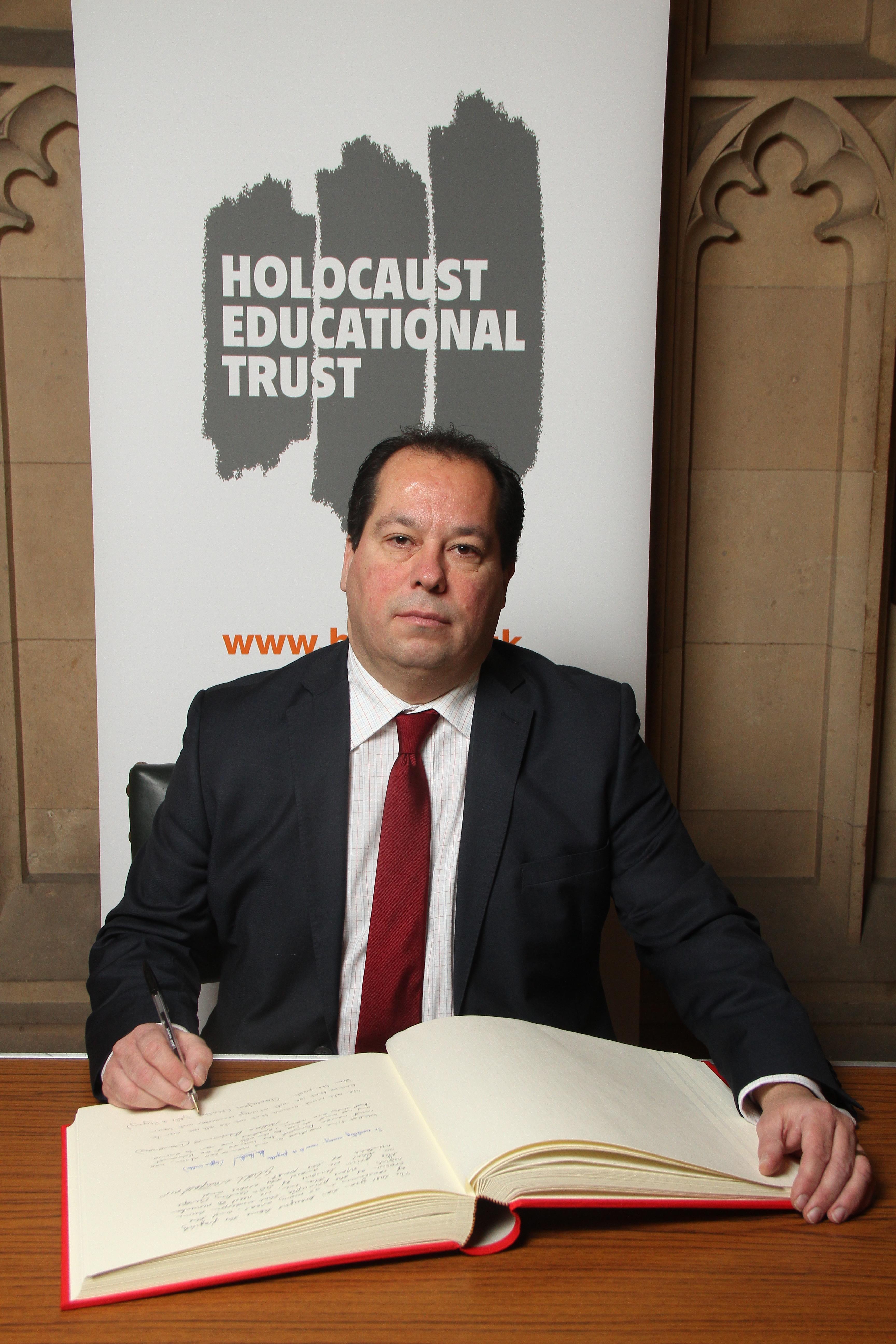 Holocaust_Memorial_27.1.17.jpg