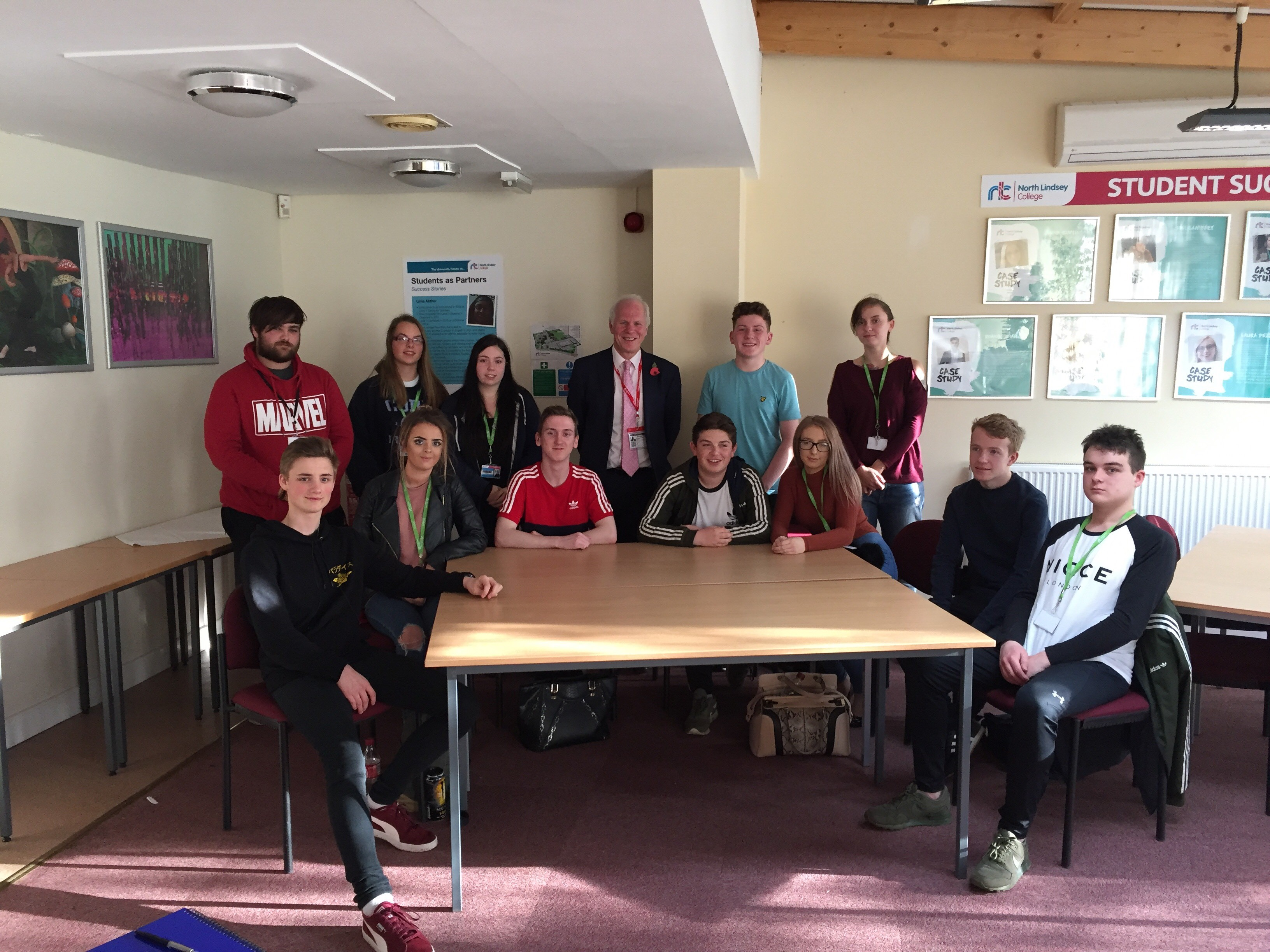 North_Lindsey_College_Students_with_Nic_(November_2017)..jpg