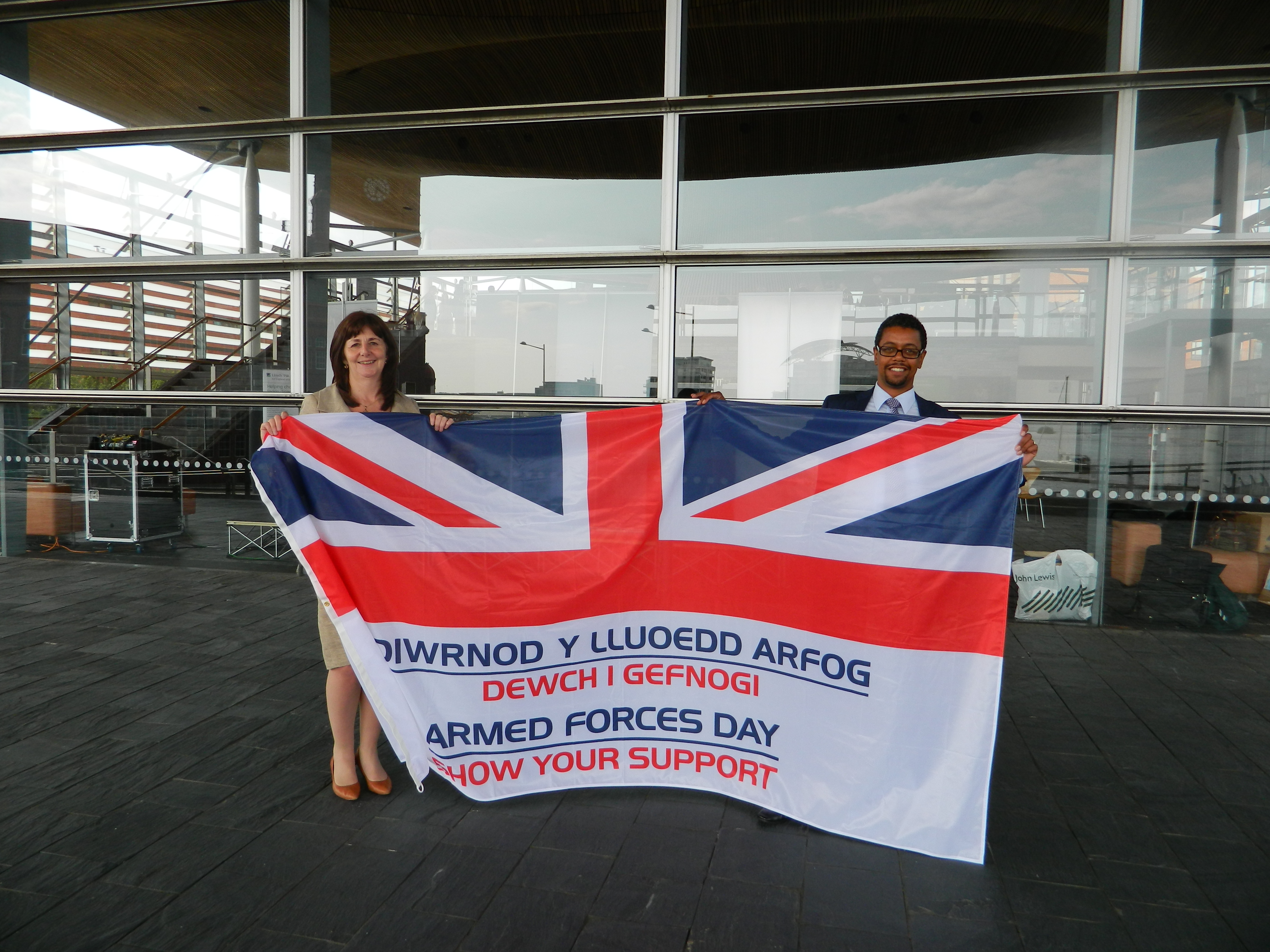 Armed_forces_day_with_Lesley_Griffiths_(2).JPG