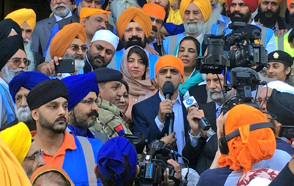 SM_and_Sadiq_Khan_at_Nagar_Kirtan.jpg