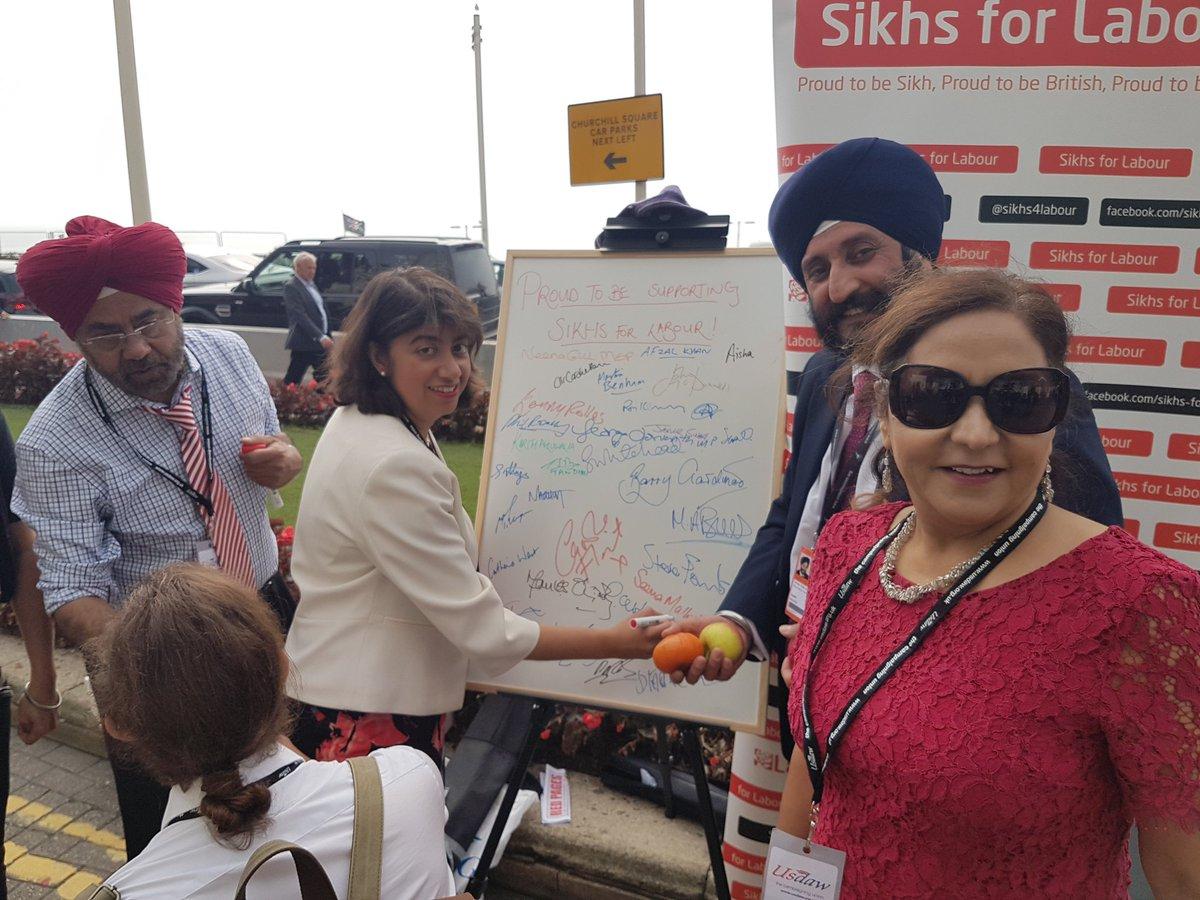 Seema_Malhotra_MP_with_Sikhs_for_Labour_at_the_2017_Labour_Conference.jpg