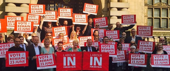 Labour_in_for_britain_outside_Town_Hall.jpg