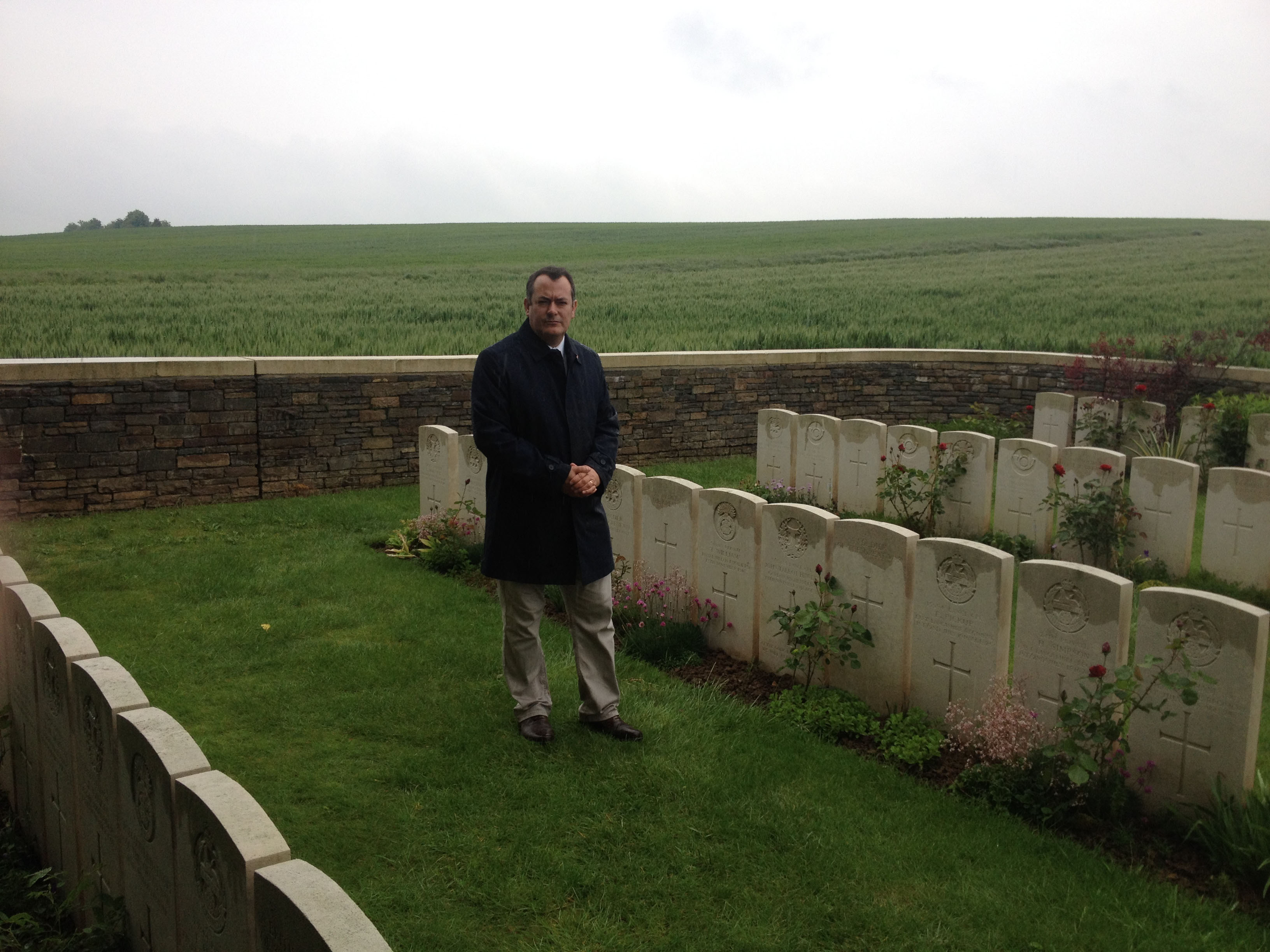 MD_-_Serre_-_war_graves.jpg
