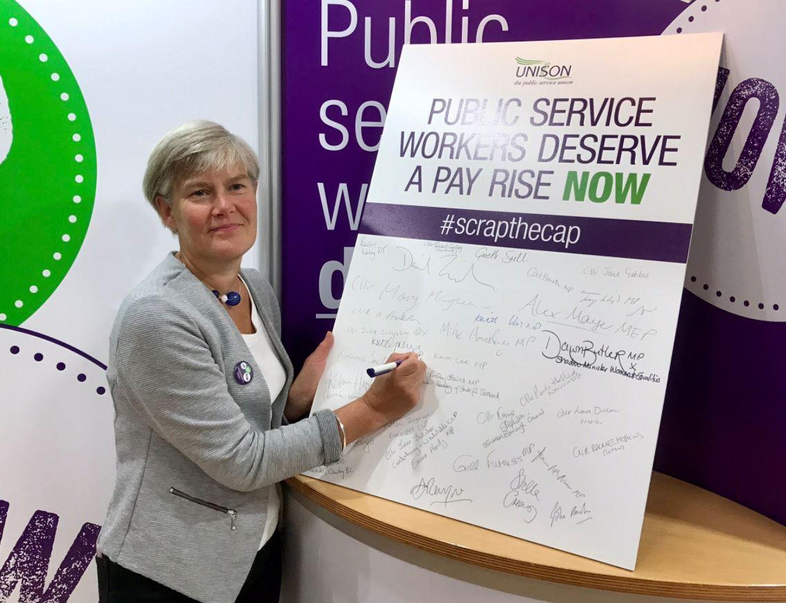 unison_signing_pledge.JPG