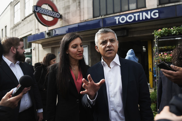 Sadiq_Khan_Campaigns_Tooting_election_Candidate_sjPmpuHAKF5l.jpg