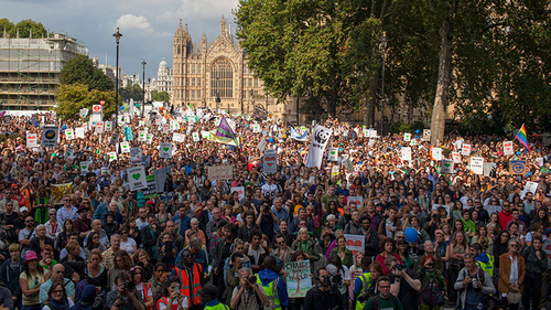 UK-climate-march-2014-thousands-at-parliament_layout-large.jpg
