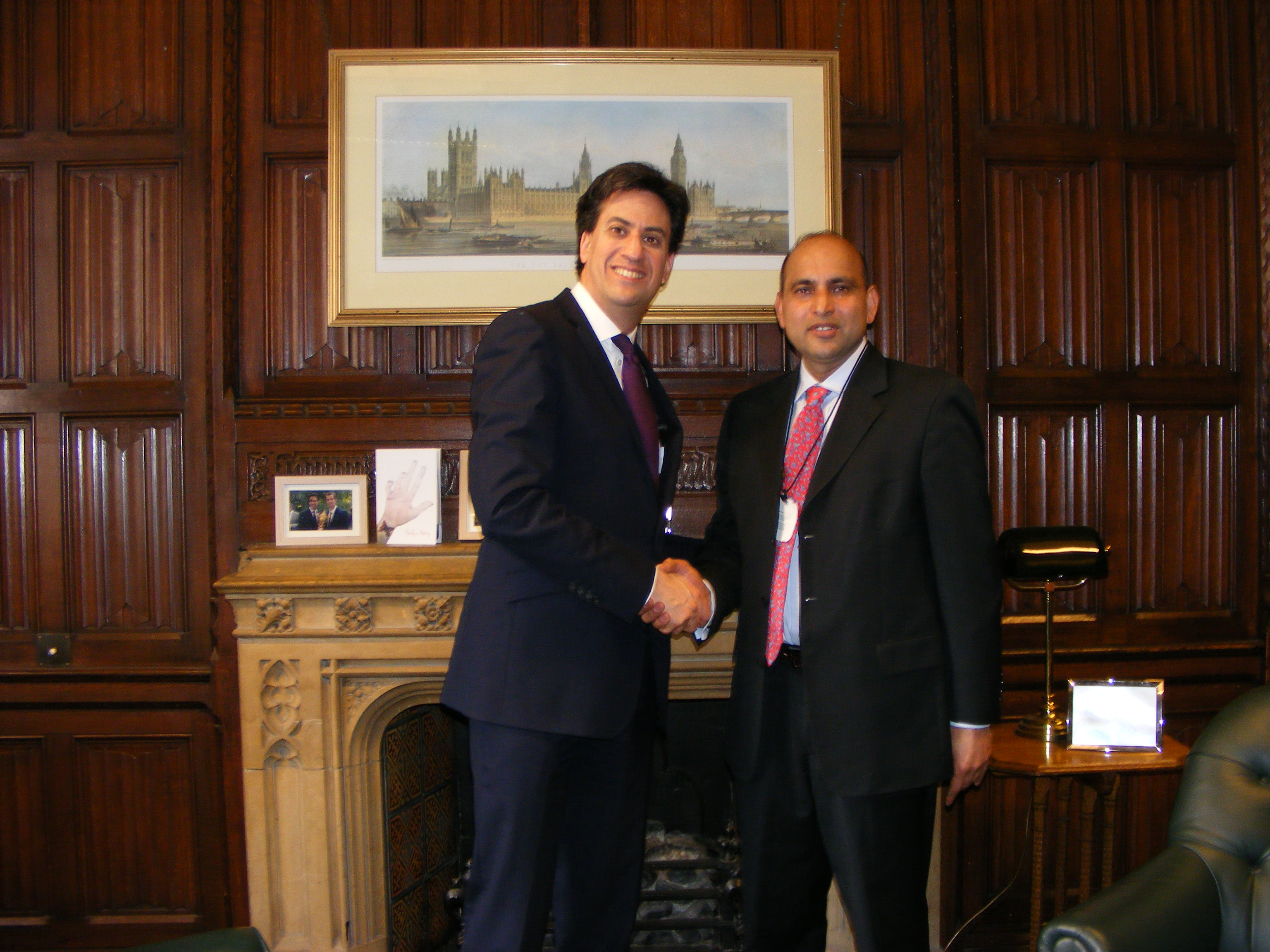 Ed_Miliband_and_Faiz.jpg