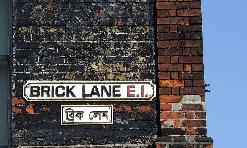 800px-Brick_Lane_street_signs.JPG