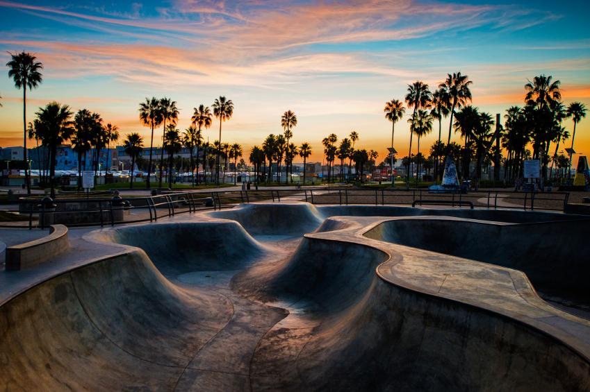 Venice_Skateboard_iStock_000038529282_Small.jpg