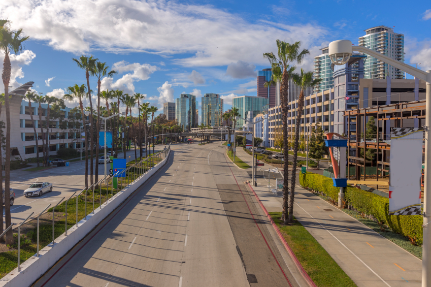 Long_Beach_Downtown_iStock_000061300074_Small.jpg
