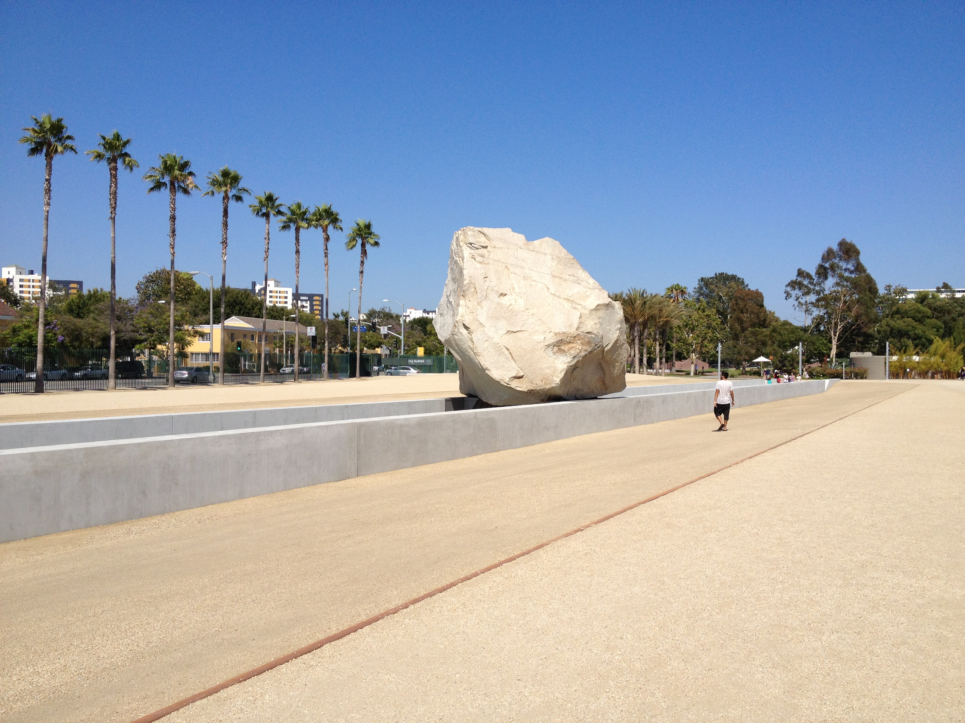 levitated_mass.jpg