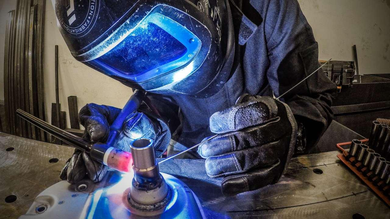 Gas tungsten arc welding by Prowelder87. Photo: Wikimedia Commons [Creative Commons Attribution-Share Alike 4.0 International]