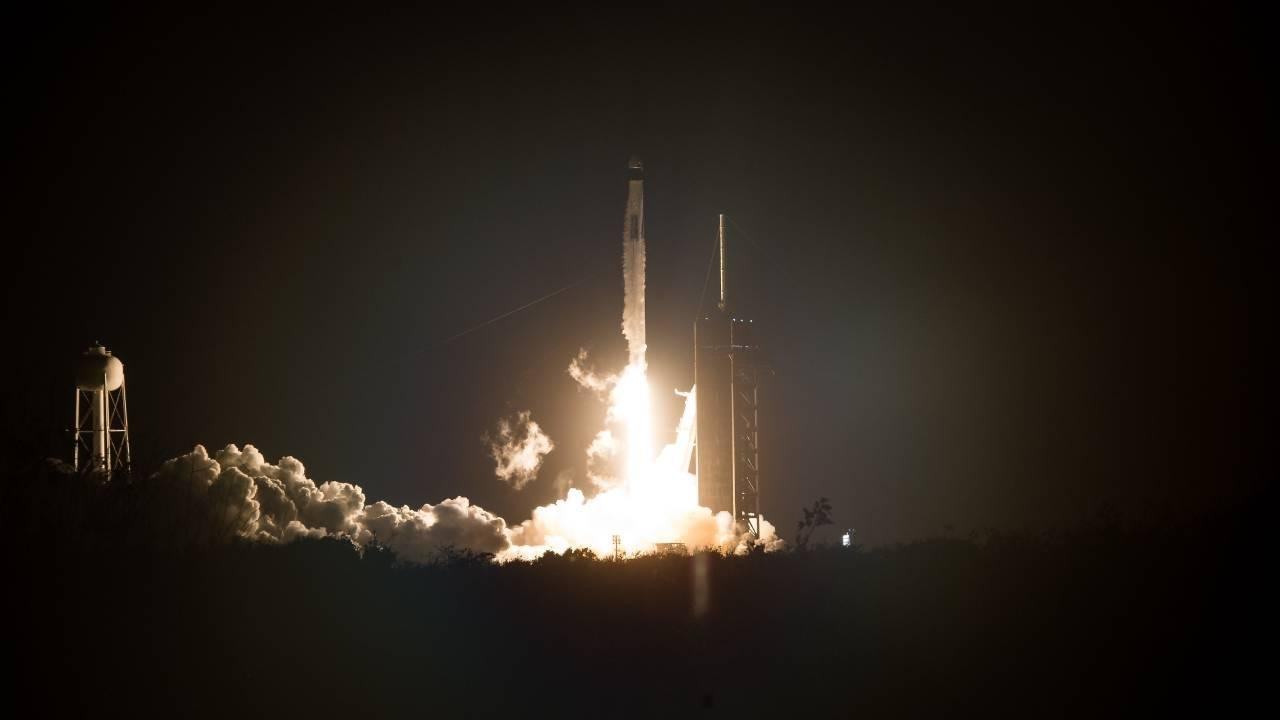 A SpaceX Falcon 9 rocket carrying the company's Crew Dragon spacecraft is launched on NASA's SpaceX Crew-1 mission to the International Space Station with NASA astronauts. (NASA/Joel Kowsky)