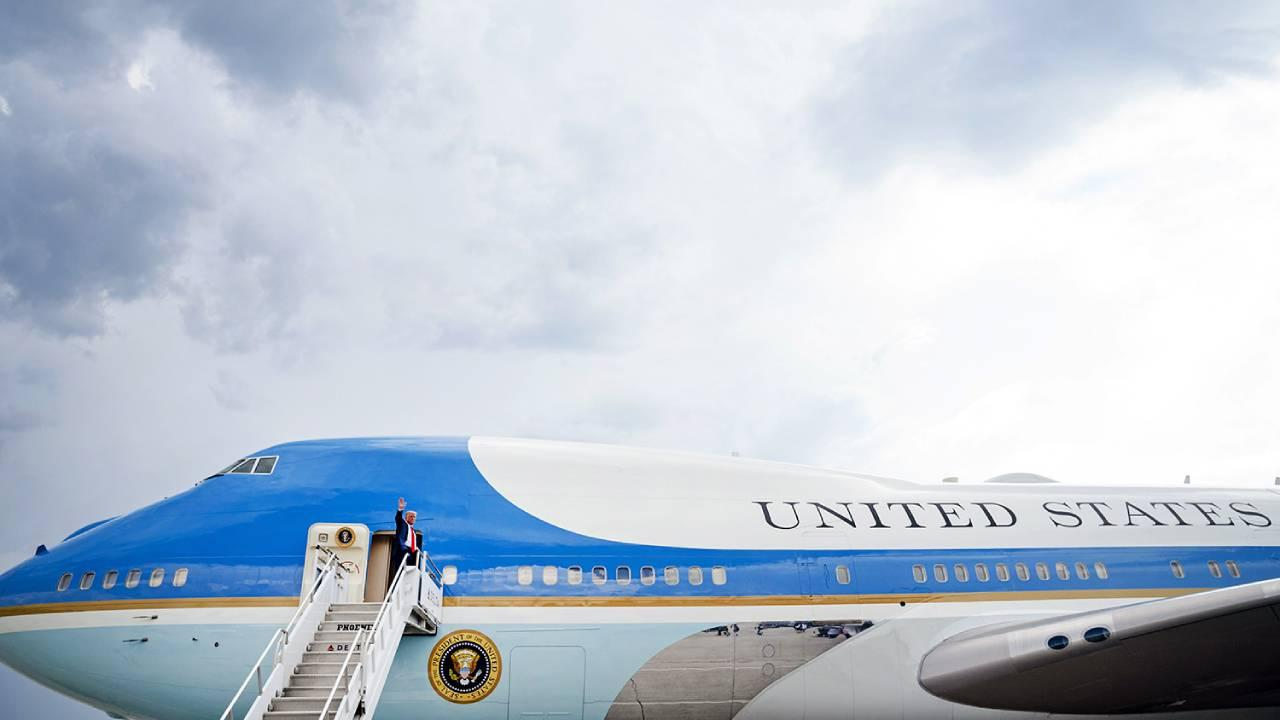 President Donald J. Trump waves as he boards Air Force One at Hartsfield-Jackson Atlanta International Airport in Atlanta Wednesday, July 15, 2020, en route to Joint Base Andrews, Md. (Official White House Photo by Joyce N. Boghosian)