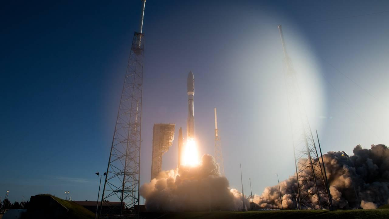 A United Launch Alliance Atlas V rocket with NASA's Mars 2020 Perseverance rover onboard launches from Space Launch Complex 41, Thursday, July 30, 2020, at Cape Canaveral Air Force Station in Florida. (NASA/Joel Kowsky)